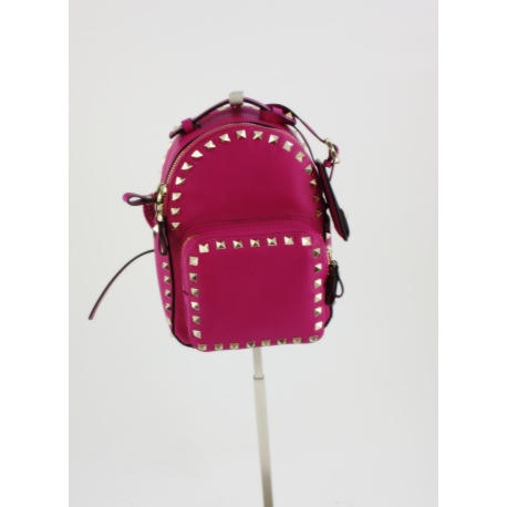 Bolso Valentino. Modelo Rockstud Mini Leather Shoulderbag.