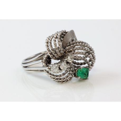 Sortija diseño piedra verde y brillantes