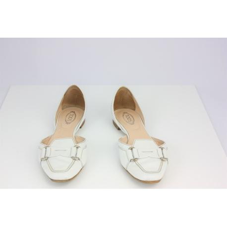 Zapatos blancos Tods bajos