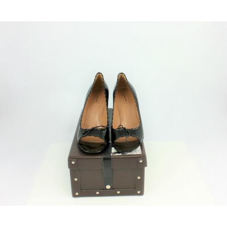 Zapatos Alaia tacón alto y charol