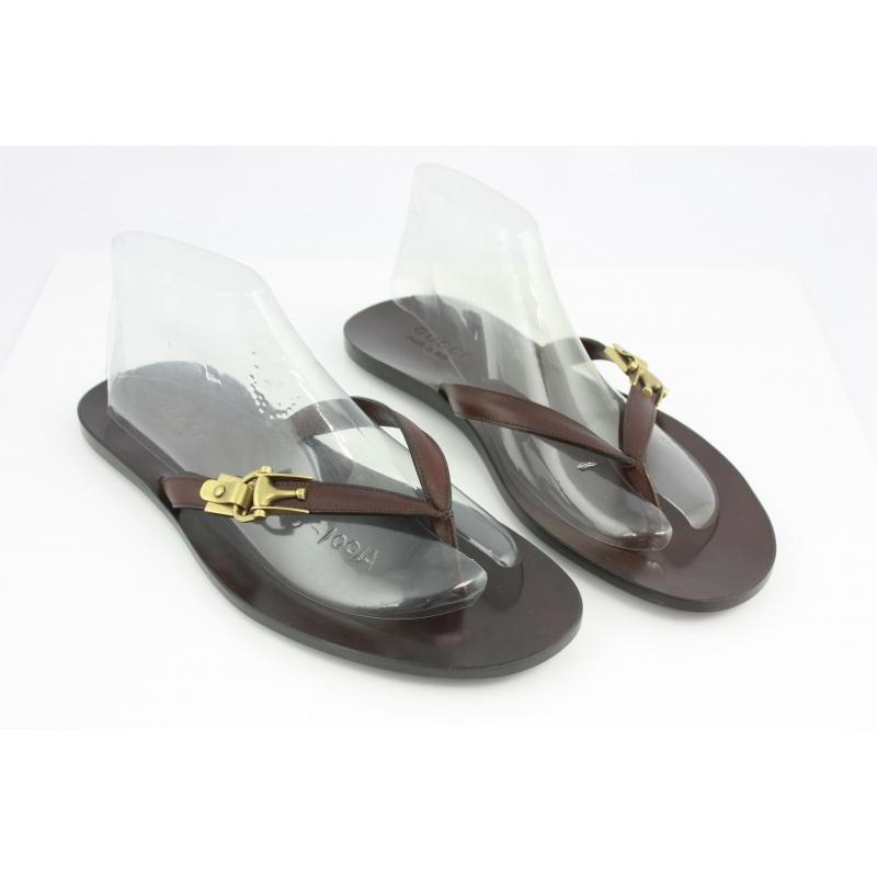 69c94d59b629a Gucci s Men Shoes. Leather flip-flops - Second Chance Luxury   Vintage