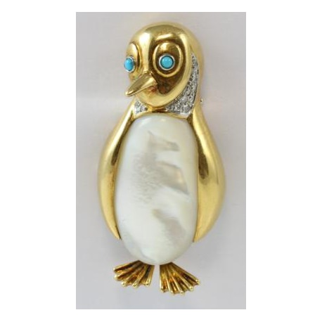 Penguine in gold and with diamonds