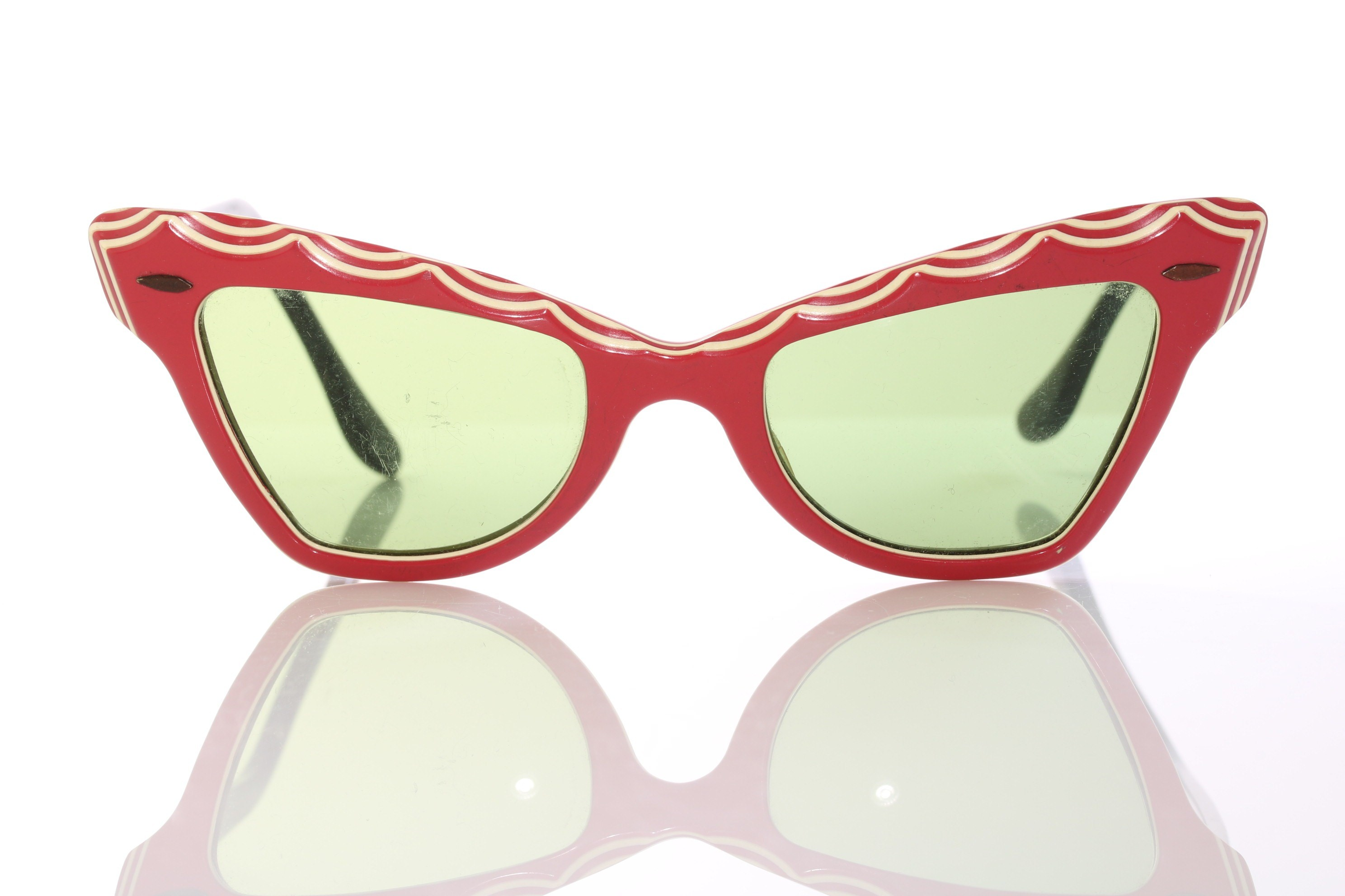 988d37797a Cat vintage sunglasses from the 50s, very feminine cat eyes design
