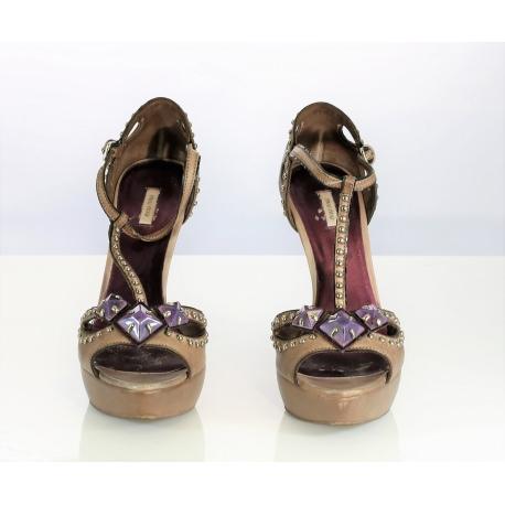 Zapatos mujer. Sandalias Miu Miu.