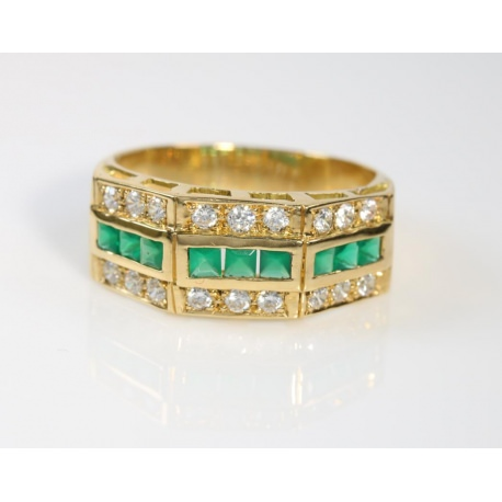 Green gems and zirconias Ring