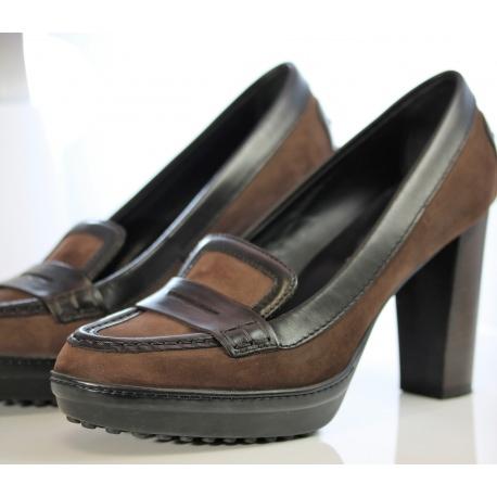 Zapato de tacòn ancho Tod`s