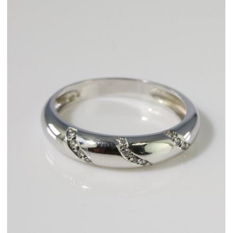 Zirconias line ring