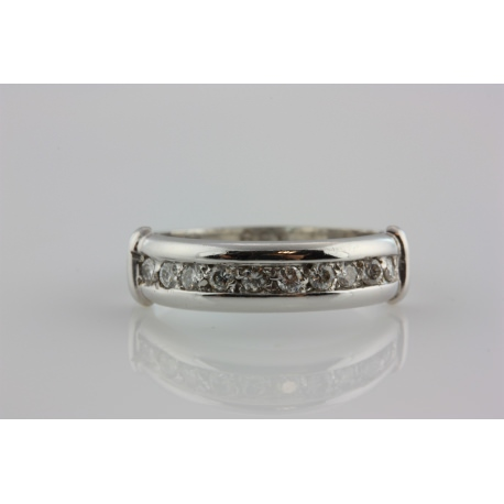 WEDDING BAND RING WITH DIAMONDS