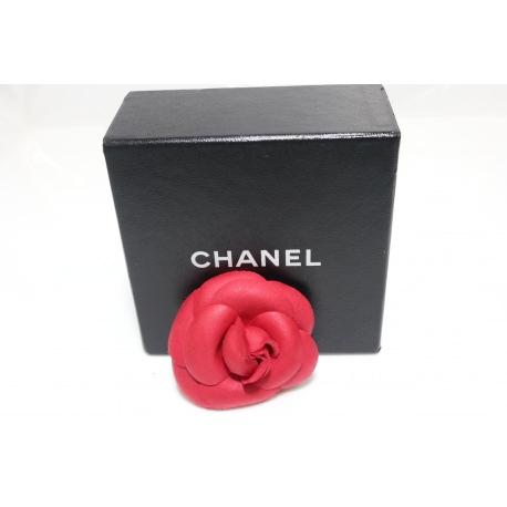 Broche Chanel Camelia