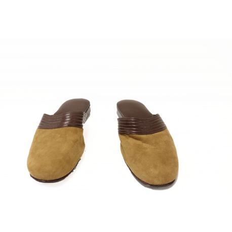 Zapatillas de dormir de caballero de Loewe.