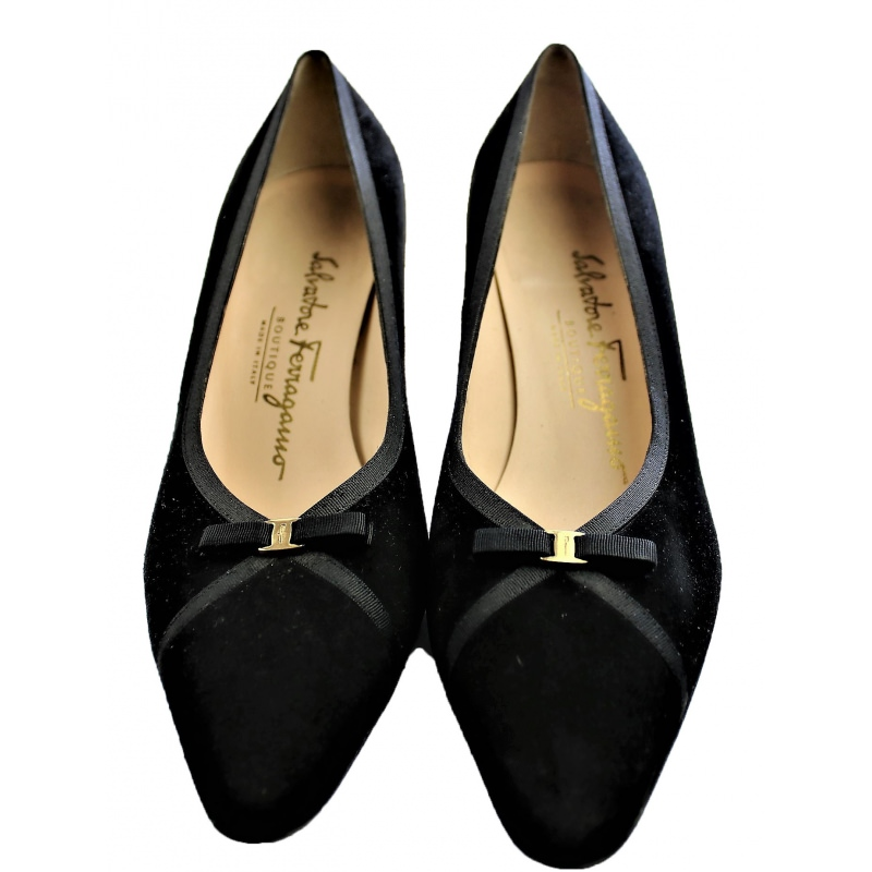 Salvatore Ferragamo shoes in black