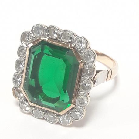 Sortija piedra verde y brillantes