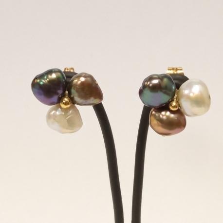 Pendientes trebol perlas de rio barrocas