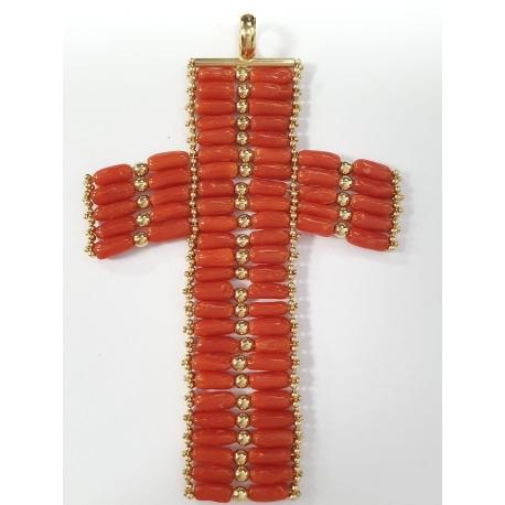 Cruz coral y oro