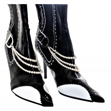Botines Dior negro y blanco con perlas