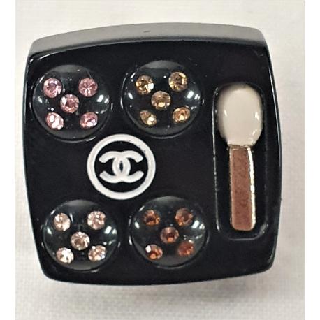 Pin Chanel