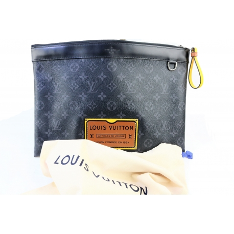Louis Vuitton Pochette I.V. Discovery